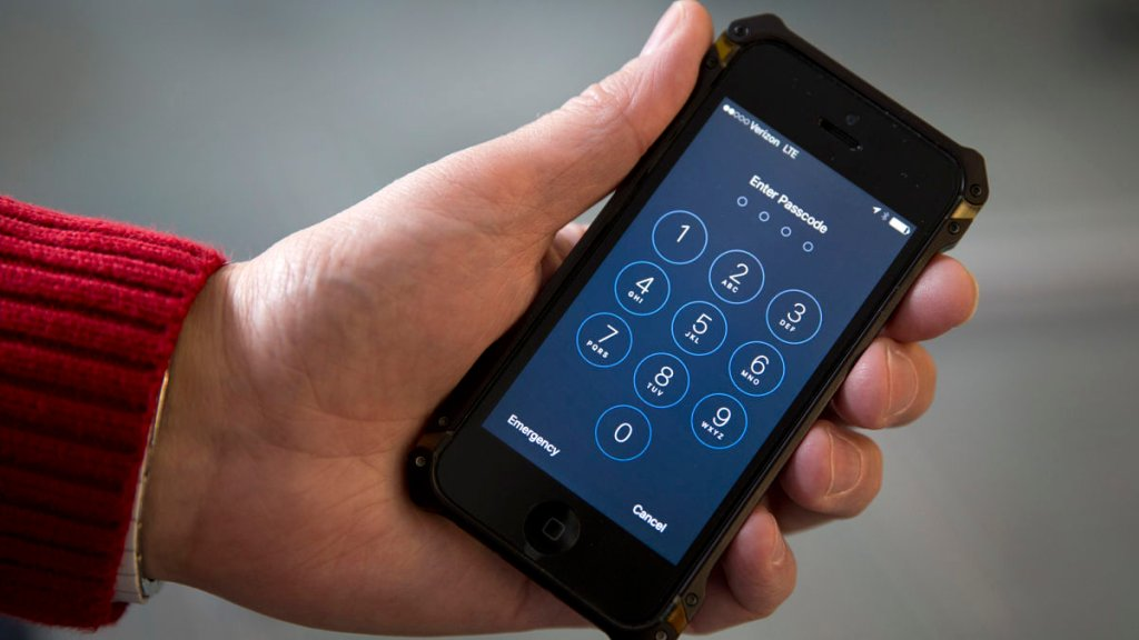 Domestic Violence Survivors Can Keep Their Cell Phone Numbers