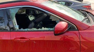 Auto vandalizado