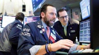 Corredor de bolsa en Bolsa de Valores de Nueva York