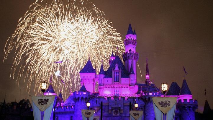 52748601FH016_Disneyland_50