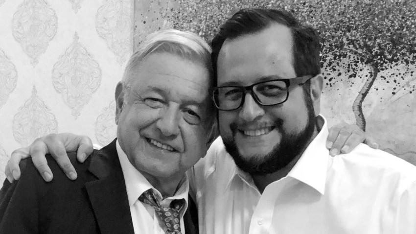 AMLO y su hijo José Ramón