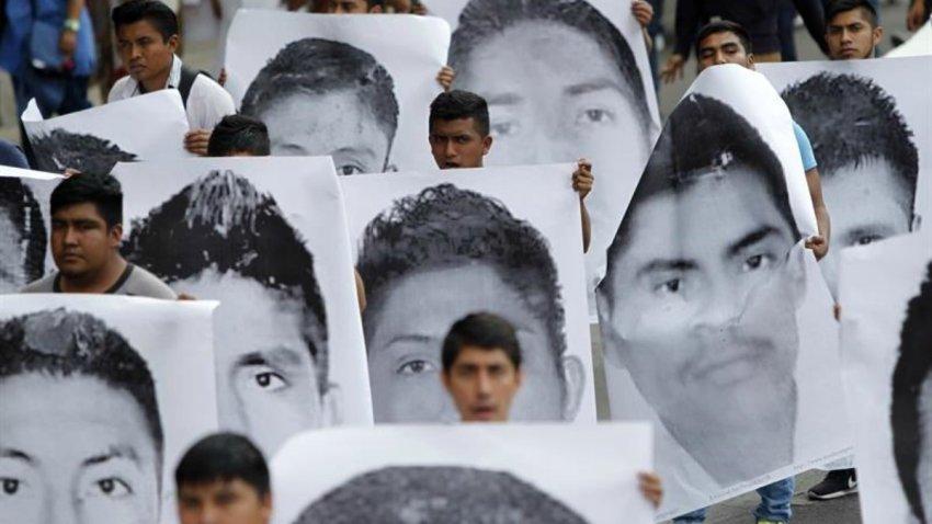 Protesta por desaparición de estudiantes de Ayotzinapa