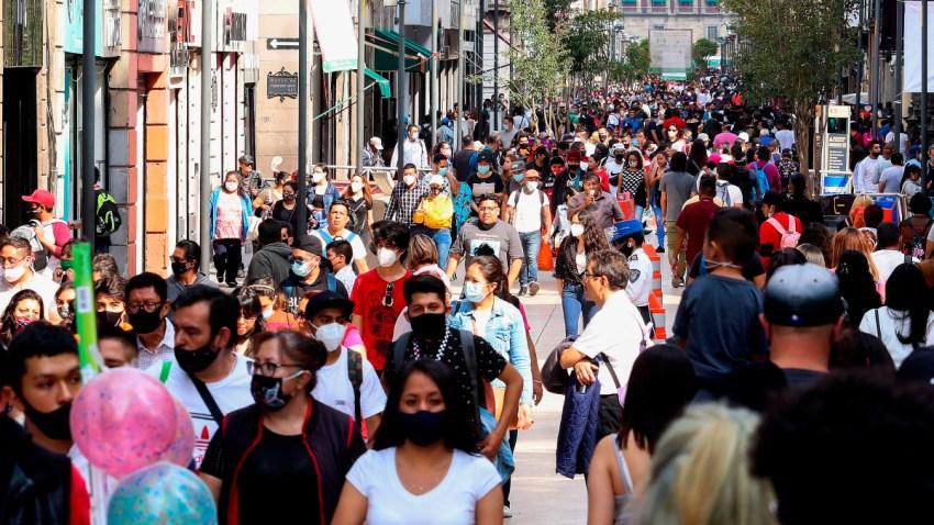 mexicanos sin cubrebocas relajan medidas de prevención