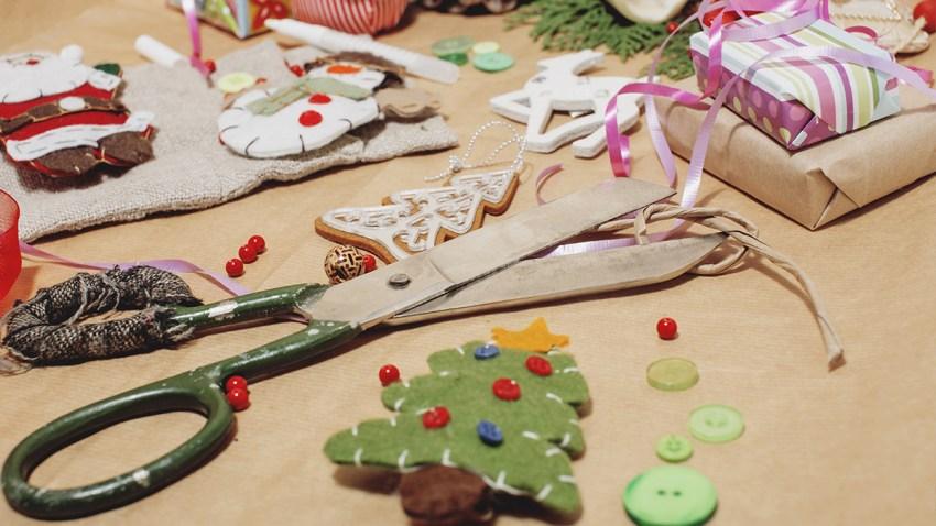 Talleres virtuales de manualidades navideñas para niños