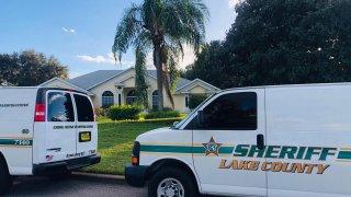Investigan el hallazgo de tres cuerpos dentro de una casa en Clermont