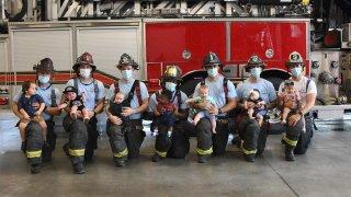 Nuevos padres del departamento de bomberos de Orlando