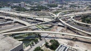 Tramo de la autopista 408 y I-4 cerrará por construcción a partir del viernes