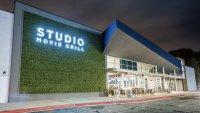 Evento de contratación en salas de cine y restaurante Studio Movie Grill